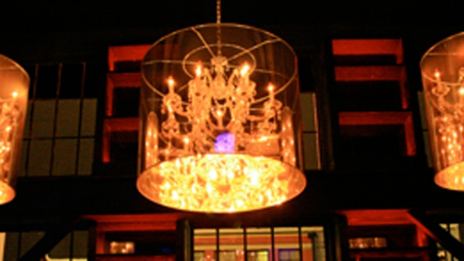 New Gaslamp Haunt Offers Goth Elegance