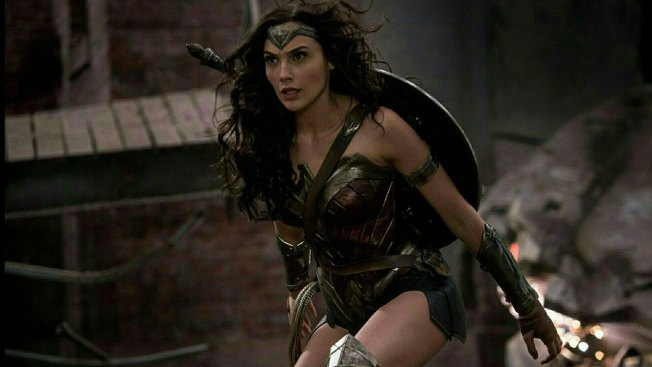 'Wonder Woman' Wows, Affleck makes Appearance at CinemaCon