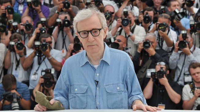 Protesters interrupt Woody Allen's jazz concert in Germany