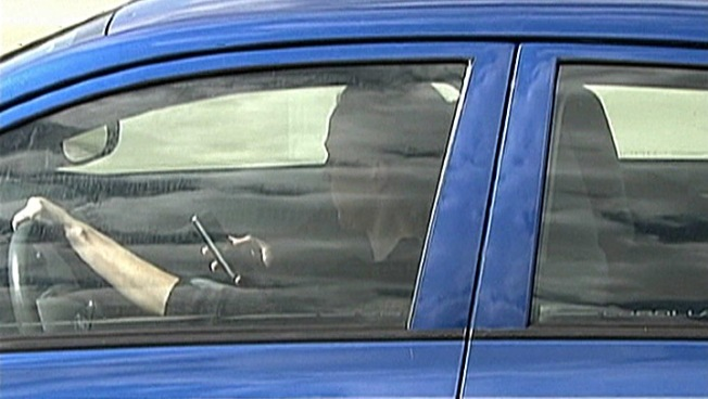 Texting Behind the Wheel Deadlier than Drunken Driving Among Teens : Reports