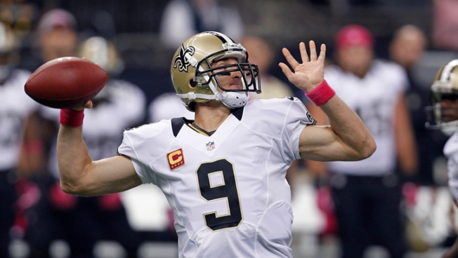 Brees Sets Mark with TD Pass in 48th Straight Game