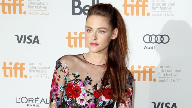 "Kristen Stewart Braves Crowds for ""On the Road"""