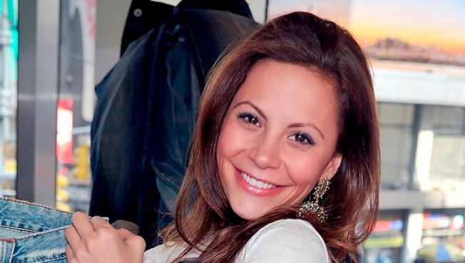 """The Bachelor"" Star Gia Allemand's Funeral Set for Thursday"