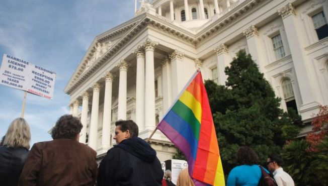 Gay Community Celebrates Prop 8 Ruling