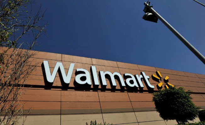 Fight Between Wal-Mart Shoppers Ends in Fatal Shooting: Police