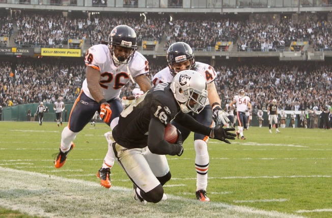 Raiders Win Third Straight, Maintain AFC West Lead