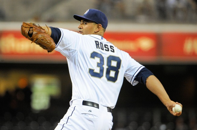 Padres' Ross Has Shoulder Surgery
