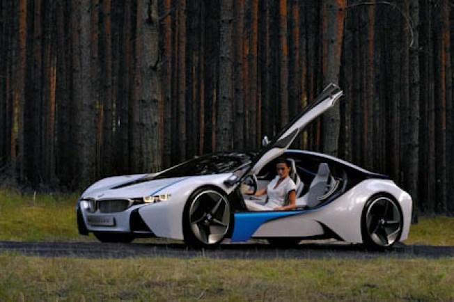 BMW's Diesel Hybrid Gets 63mpg and Is Racecar Fast, Too