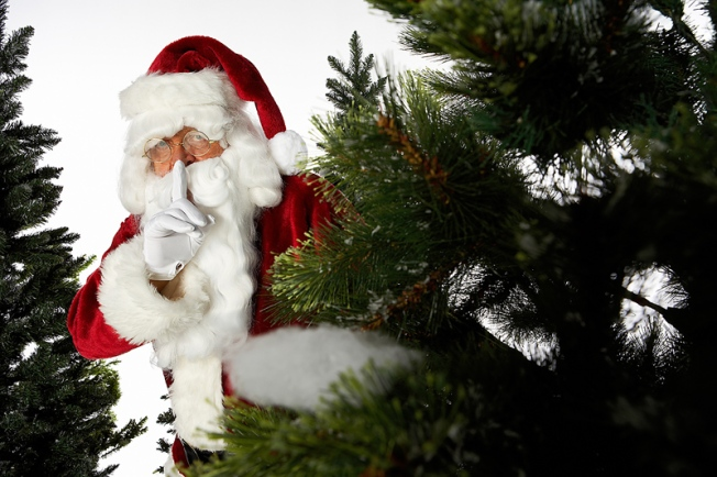 'Secret Santa' Spends $50K to Pay Off Accounts in Pa. Store
