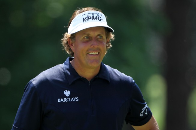 Phil Mickelson in Hunt for 4th Green Jacket