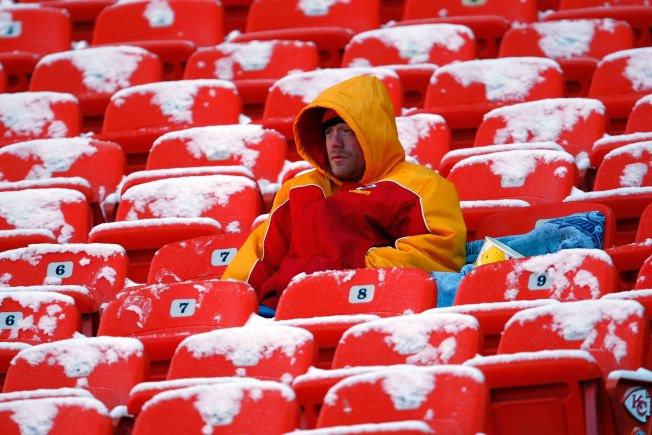 Brrr! Chargers Prep for First Cold Game of 2013