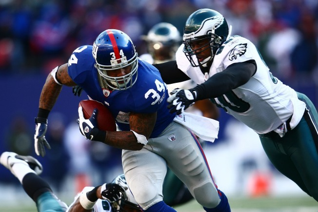 Giant Disappointment: Eagles Defeat G-Men, 23-11