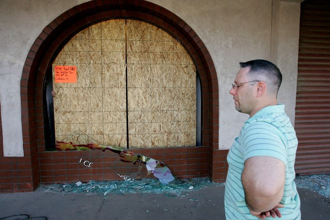 Quake Cleanup Begins in Calexico