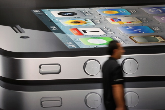 iPhone 4 Buyers Report Screen, Antenna Issues
