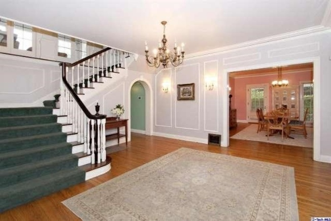 [NATL] Inside the 'Father of the Bride' House on Sale
