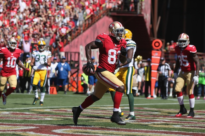 Kaepernick, Boldin are Dynamic Duo in Victory