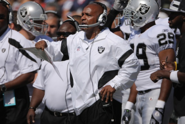 Raiders' Big Task is to Contain Adrian Peterson