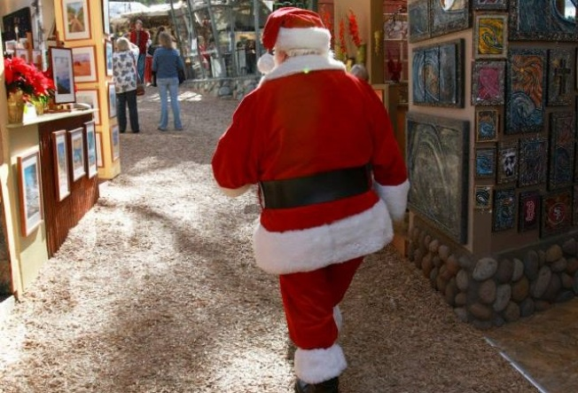 Santa Loves Art: Sawdust Winter Fantasy in Laguna Beach