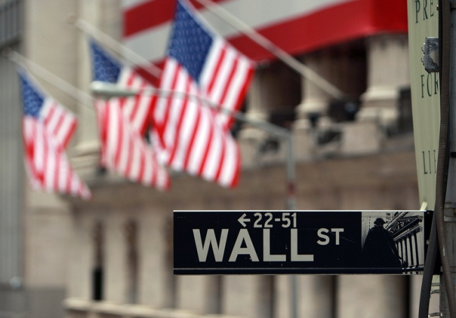 """""""Small Victories"""": Market Looks for Glimmer of Hope"""
