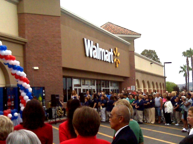 Wal-Mart Supercenter Opens Doors