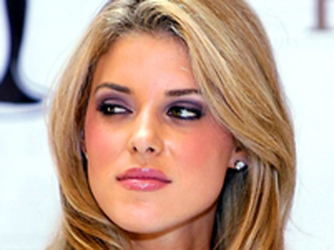 Ex-Miss California Carrie Prejean Sues