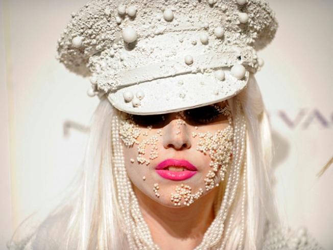 Lady Gaga Most Popular Living Person on Facebook