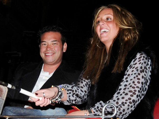 Tidbits: Jon's Ex-gal Says he Blackmailed Kate