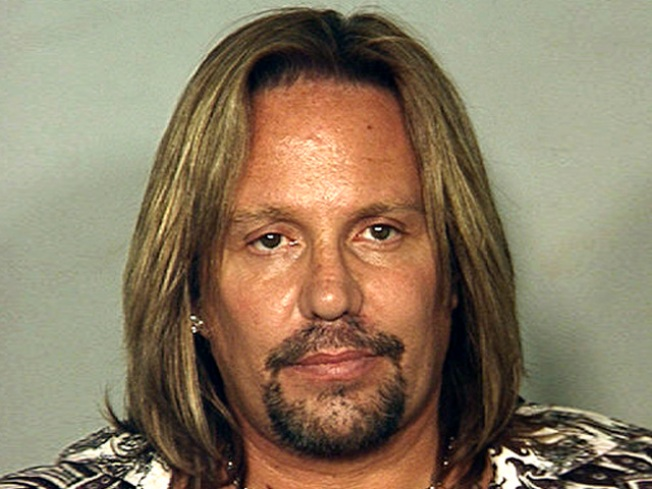 Motley Crue's Vince Neil to Serve 2 Weeks Behind Bars in Plea Deal