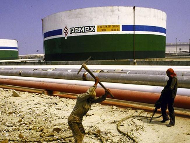 Drug Cartels Sell Stolen Oil to U.S.