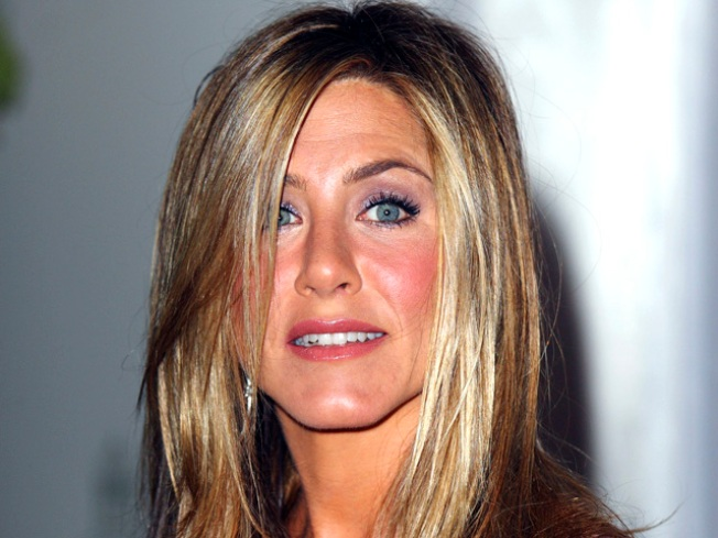 """Jennifer Aniston Scolded for Calling Herself a """"Retard"""""""