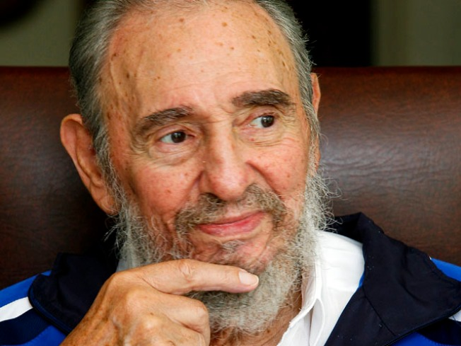 El Libro Sensacional! Castro's Sis Dishes on Bro in New Book