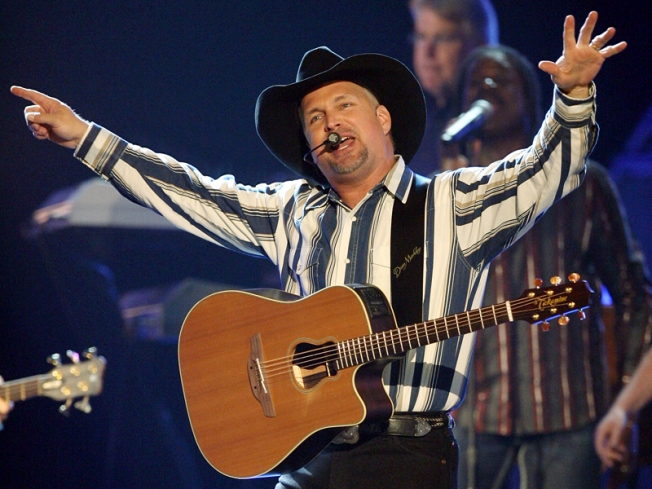 Garth Brooks Ticket Sales More Hat Than Horse