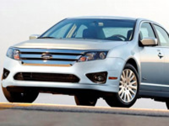 New Ford Fusion Probed for Accelerator Pedal Risk
