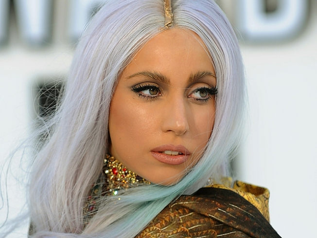 "Lady Gaga ""Most Charitable"" Celebrity of 2010"