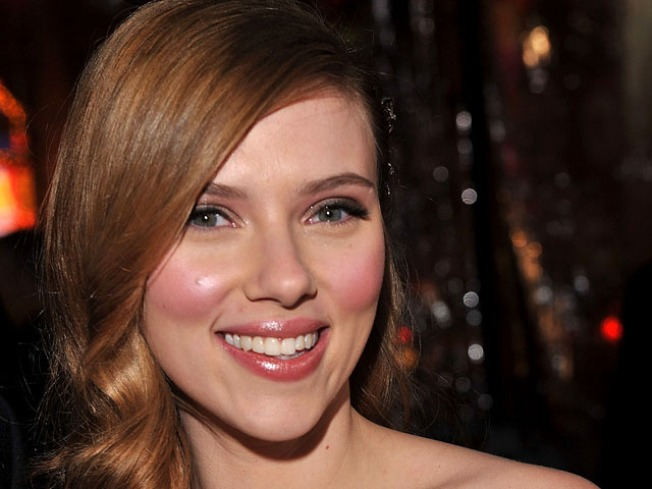 Scarlett Johansson's Broadway Performance Gets Glowing Reviews