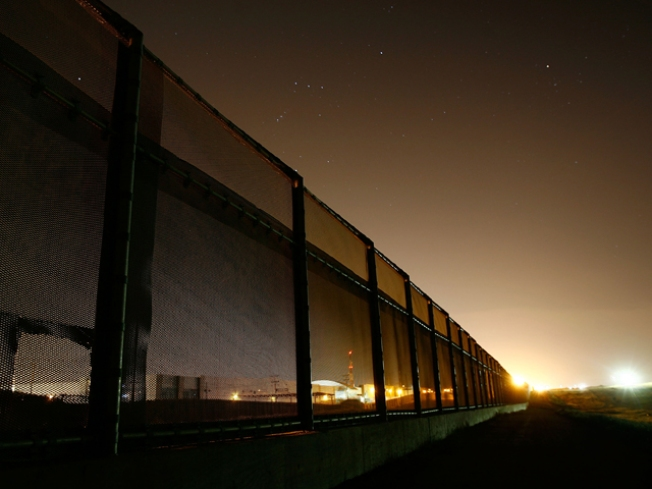 Thieves Steal Border Fence for Scrap: Cops