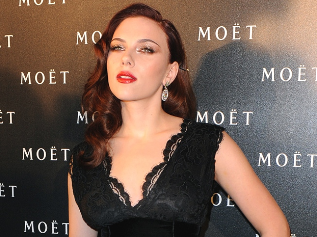 Scarlett Johansson's Secrets To Avoiding Paparazzi & Surviving The Red Carpet