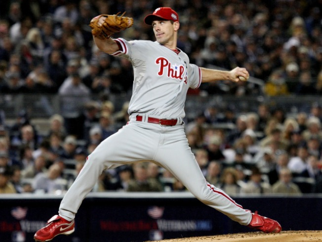 Cliff Lee Quiets Yanks' Bats in Game 1