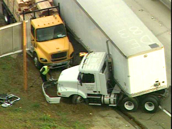 Big Rigs Crash, Snarl I-15
