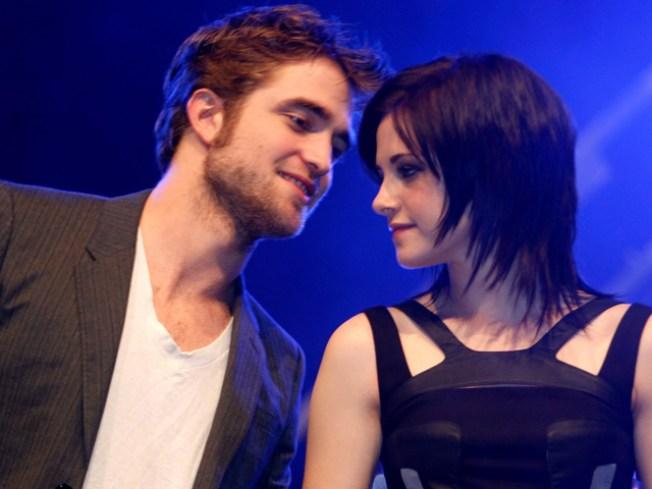 Kristen Stewart Joins Robert Pattinson For 'Remember Me' NYC Premiere