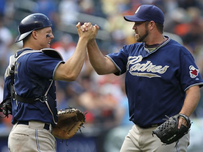 Padres Agree to Terms With 9 Players