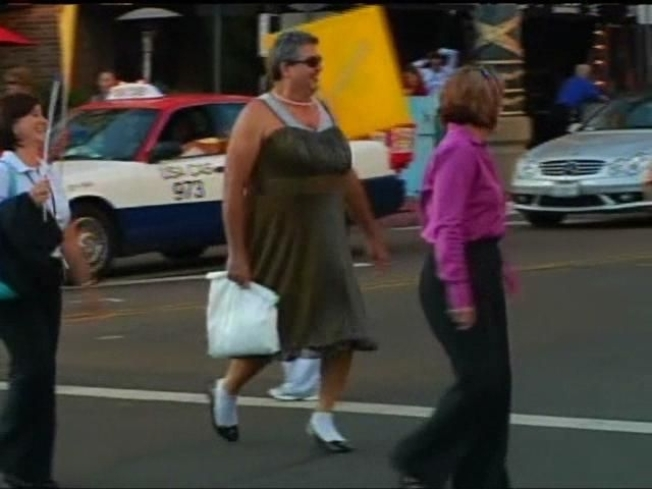 Dude Walks Like a Lady ... for Charity