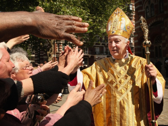 OMG: Bishop Calls Texting and Facebook Evil