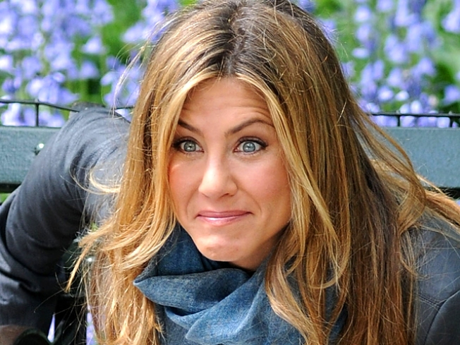 Jennifer Aniston To Pounce On Younger Guys In 'Pumas'