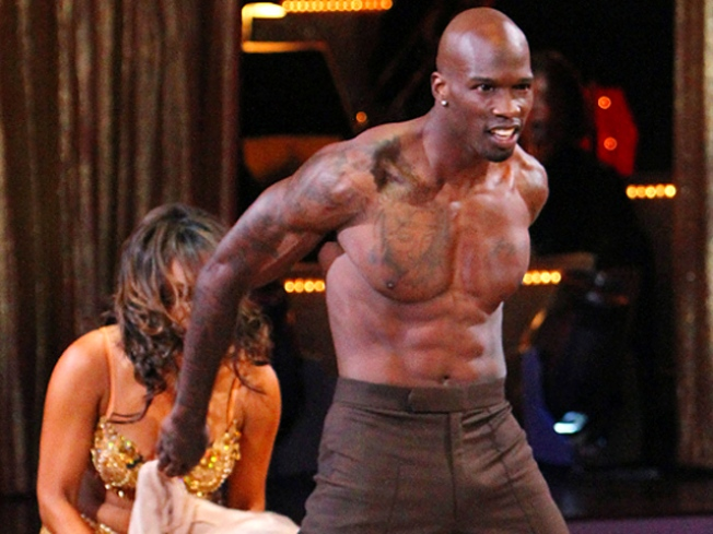 Ochocinco Buys Dinner for 64 Strangers