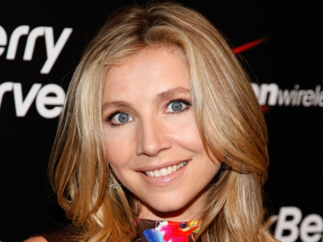 Sarah Chalke Welcomes A Boy