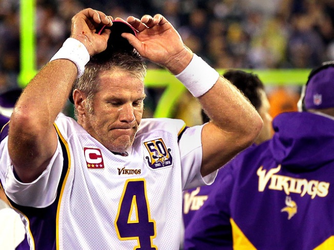 Brett Favre Uses Ankle To Recreate Retirement Drama All Over Again