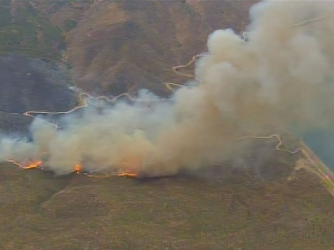 Hemet Wildfires Grow to 1500 Acres