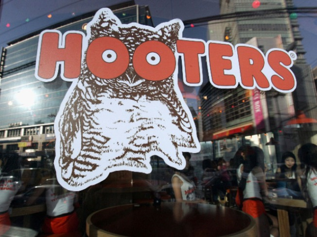 Hooters Offers Doctor's Note to Cure March Madness