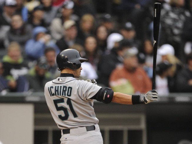 Mariners' Ichiro Sets Record With 10 Straight 200-hit Seasons